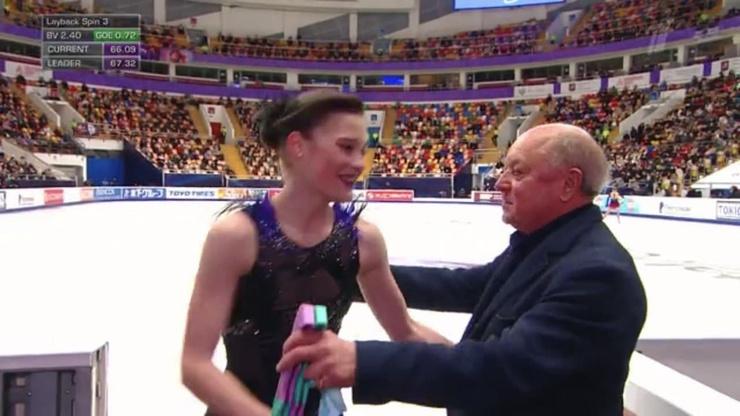 После проката Гулякову поздравил тренер
