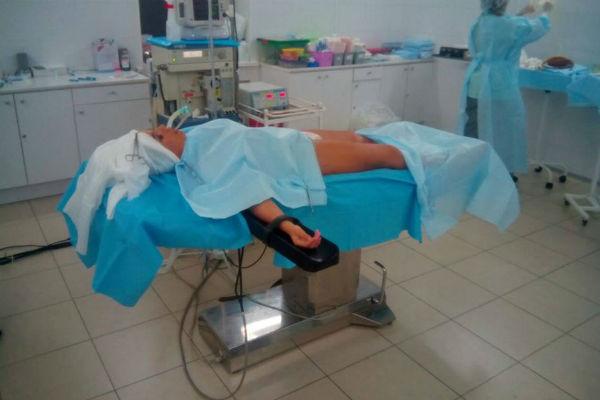 Екатерина на операционном столе