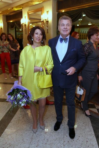 Вместе с артистом госпитализирована его жена Ирина