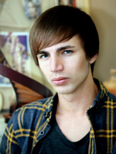 Виталий Жмур, стилист ФЕН Dry Bar