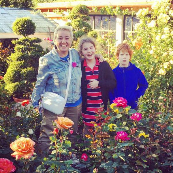 Теона Контридзе с детьми