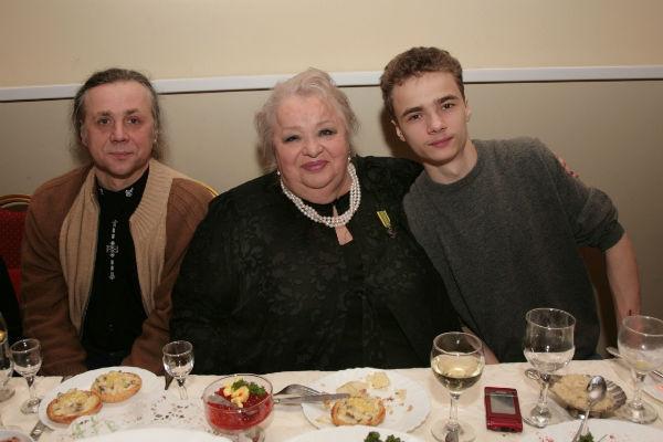 Наталья Крачковская очень любила внука и была в хороших отношениях с сыном