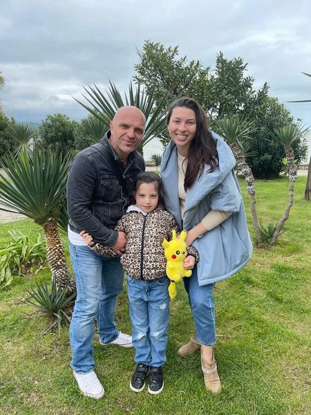 Солист «Непары» Александр Шоуа заявил об исчезновении старшей дочери