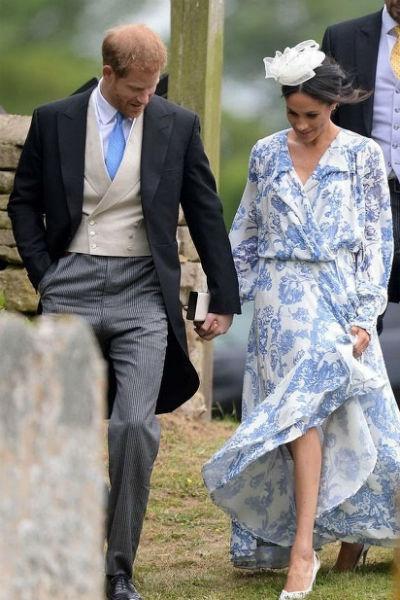 Принц Гарри трогательно держал супругу за руку на протяжении всего праздника