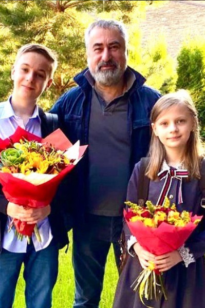 Во втором браке у Александра Толмацкого двое детей