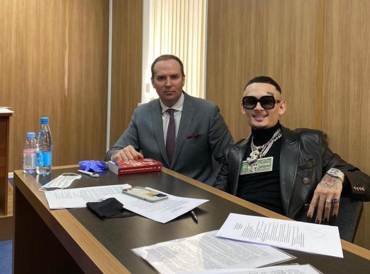 Сегодня дело рэпера рассматривается в Зюзинском суде