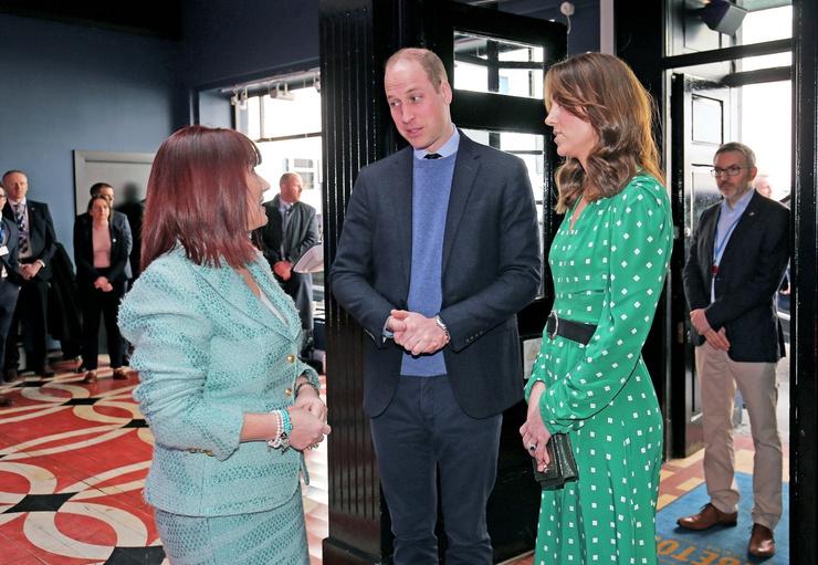 Герцогиня любит платья простого кроя, которые подчеркивают достоинства фигуры