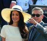 Джордж Клуни с женой намерены усыновить ребенка