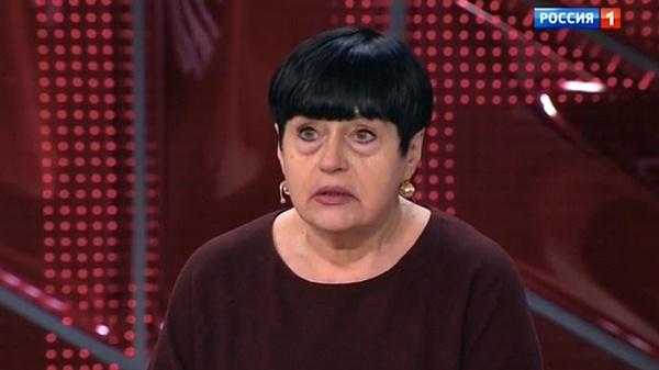 Наталья Корнеева, бывшая сотрудница театра Джигарханяна, когда-то познакомила Виталину и Элину