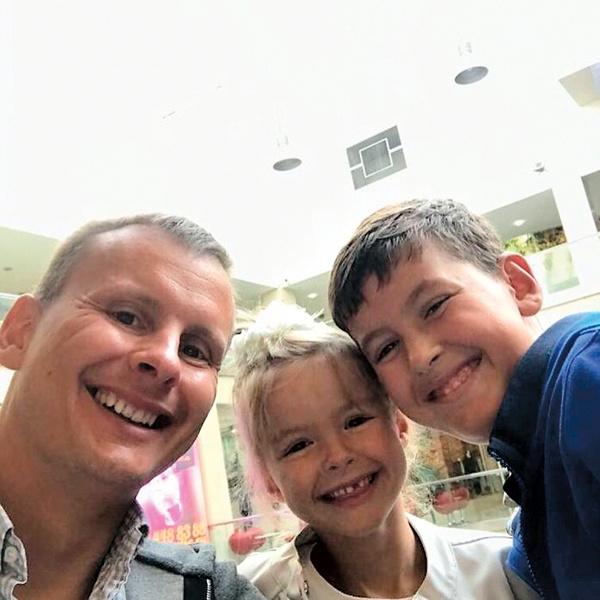 Алексей Казьмин нечасто видится с сыном и дочкой