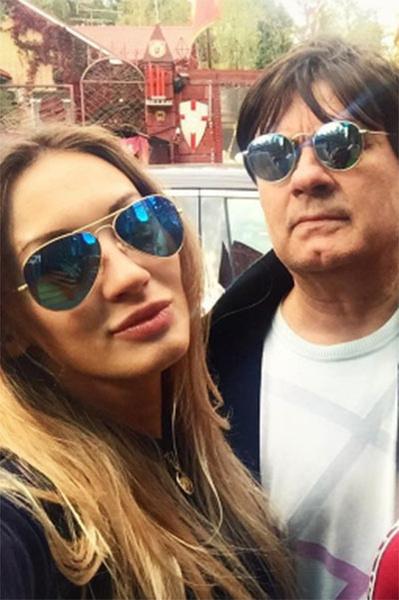 Александр Серов с дочкой Мишель