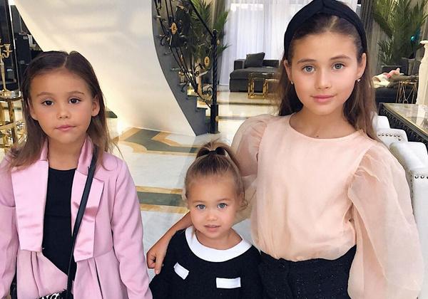 Дети Оксаны Самойловой всегда выглядят безупречно