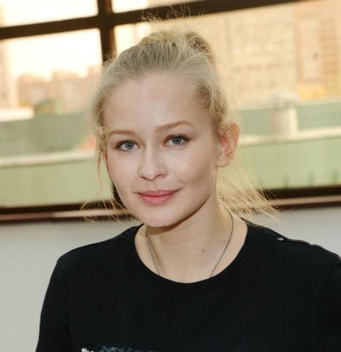 Юлия Пересильд продолжает отрицать отношения с Романом Абрамовичем