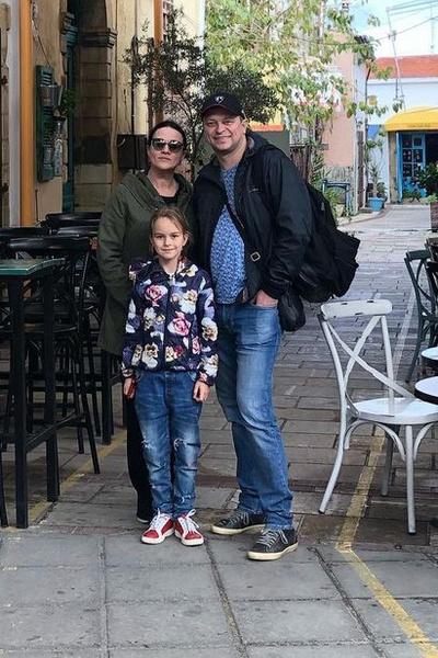 Анатолий Кот с супругой и дочерью