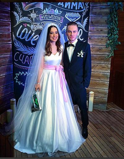 Дайнеко и Дмитрий Клейман сегодня уже не муж и жена, но платье Вики ее поклонники помнят до сих пор, но платье Вики ее поклонники помнят до сих пор