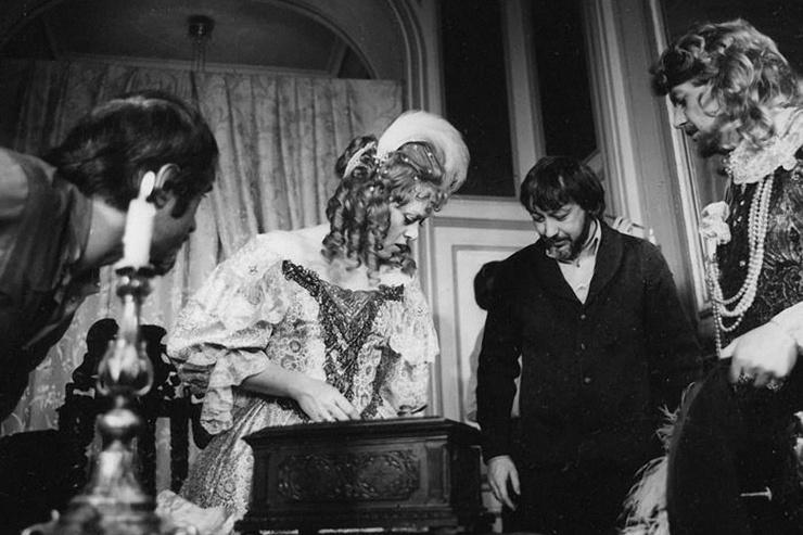 Алиса Фрейндлих и Алексей Кузнецов могли убедить режиссера скорректировать сцену