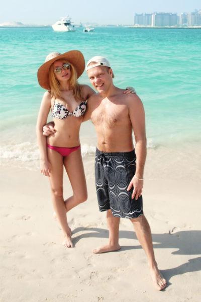 Диджей Грув и Александра познакомились десять лет назад, а в 2008 году официально стали мужем и женой