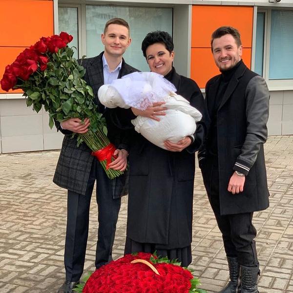 Полгода назад у Елены Голуновой родилась дочь, фанаты были шокированы, но счастливы