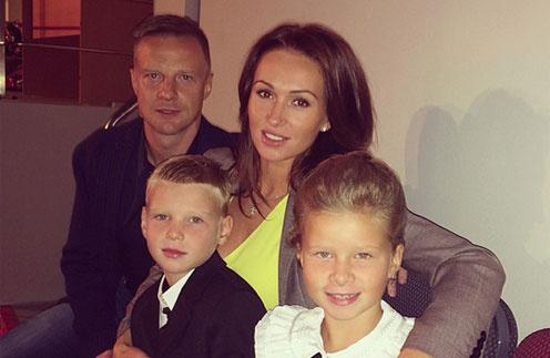 Вячеслав и Екатерина Малафеевы с детьми Максимом и Ксенией