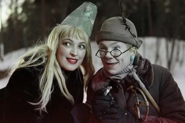 Зинаида Нарышкина (справа) в картине «Снежная сказка»