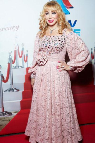 Мария Распутина сразила гостей фестиваля ярким образом