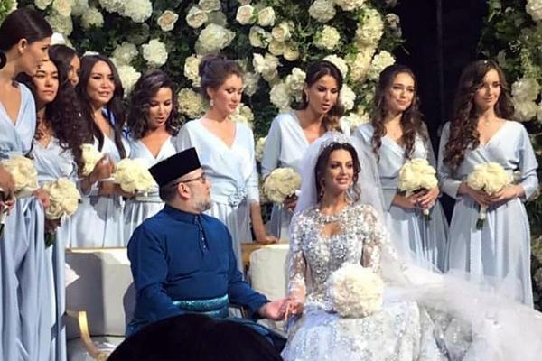 Российская модель вышла замуж за короля Малайзии в ноябре 2018 года