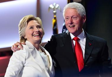 Секс-скандал, вышедший за стены Белого дома. Хиллари Клинтон, которую президент опозорил с Моникой Левински