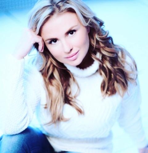 Певица Анна Семенович