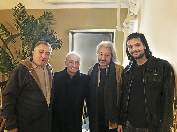 Недавно музыкант заезжал на съемочную площадку к Роберту Де Ниро и Мартину Скорсезе