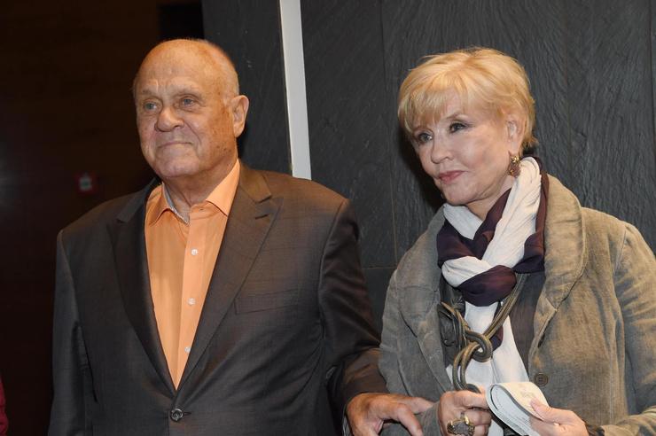 Его жена Вера Алентова все время с режиссером