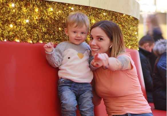 Лилия намерена дать сыну свою фамилию