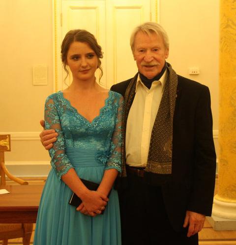 Молодая жена Ивана Краско поддалась его уговорам