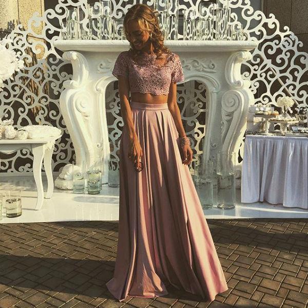 Надежда Сысоева надеется поймать букет невесты