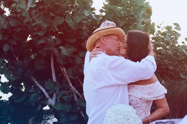 Супруга Брюса Уиллиса поделилась семейным фото