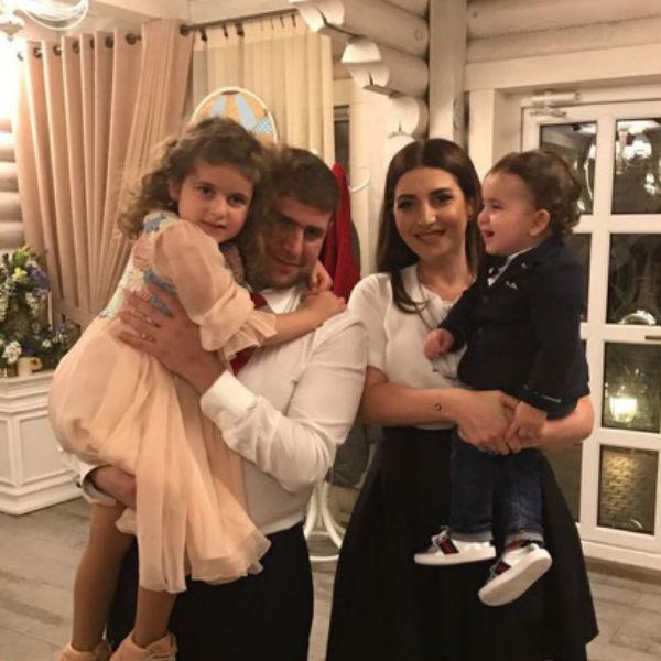 Илан Шор с семьей