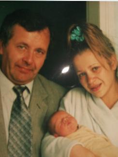 Юля с отцом и новорожденным Андрюшей