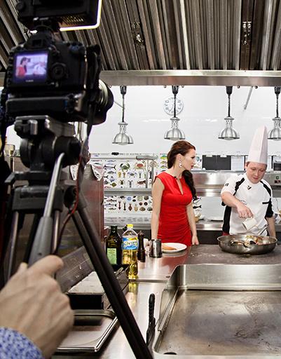 Шоу Феофилактовой скоро можно будет увидеть в Интернете