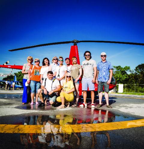 Наша команда на вертолетной площадке: пропеллеры запустить!