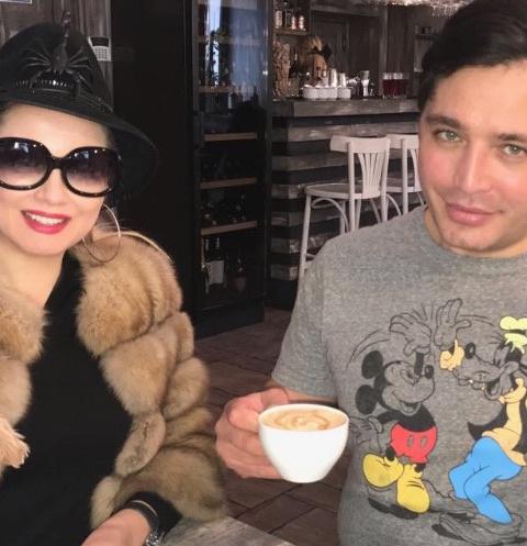 Лена Ленина и Рустам Солнцев встретились в одном из столичных ресторанов