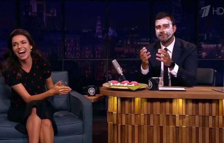 Обмен колкостями с Соловьевым начался с шутки Урганта про маску для лица
