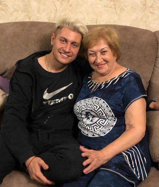 Дава с бабушкой