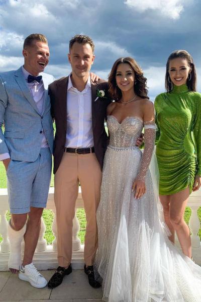Мария Белова выбрала блестящее платье