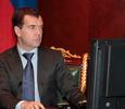 Дмитрий Медведев покупает себе одежду и обувь через Интернет
