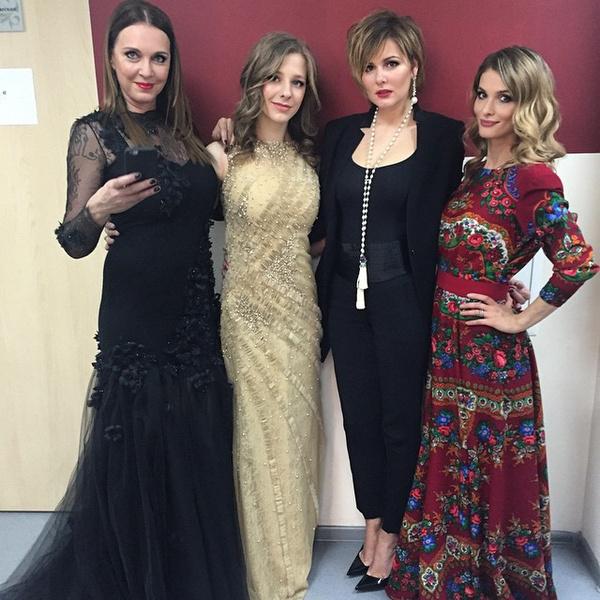 Мария Кожевникова с Татьяной Лютаевой, Лизой Арзамасовой и Светланой Ивановой