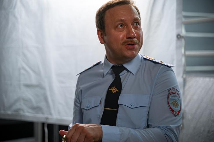 Георгий Дронов сыграл Романа Жилина, заместителя начальника УВД по охране общественного порядка Бутовского района.
