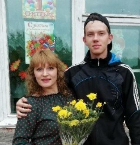 Матвей Бабунь с матерью