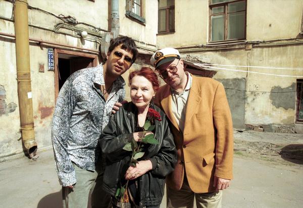 Иван и Андрей Урганты заботятся о родственнице