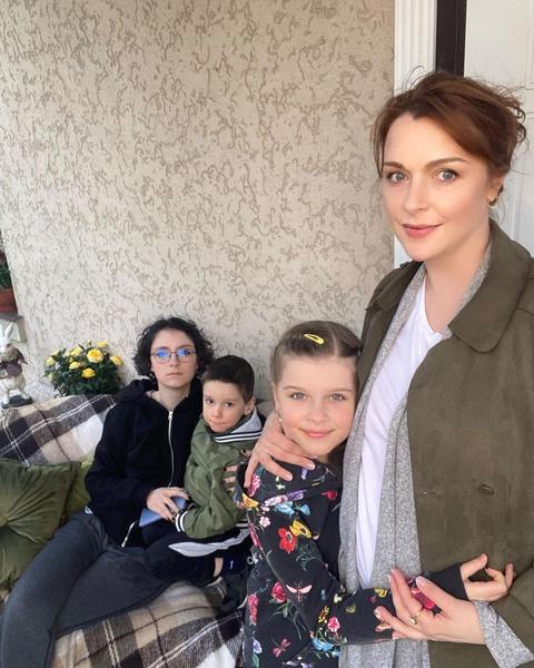Светлана Антонова с детьми