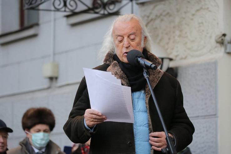 Поэт Илья Резник
