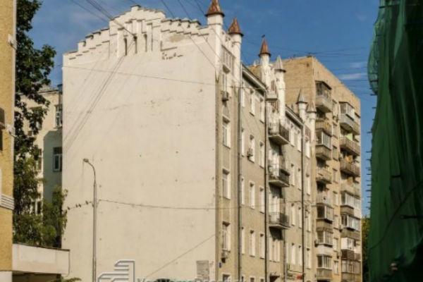 Так здание выглядело до съемок клипа